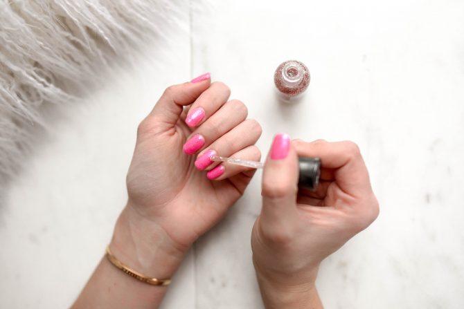 nail polish, pink nails